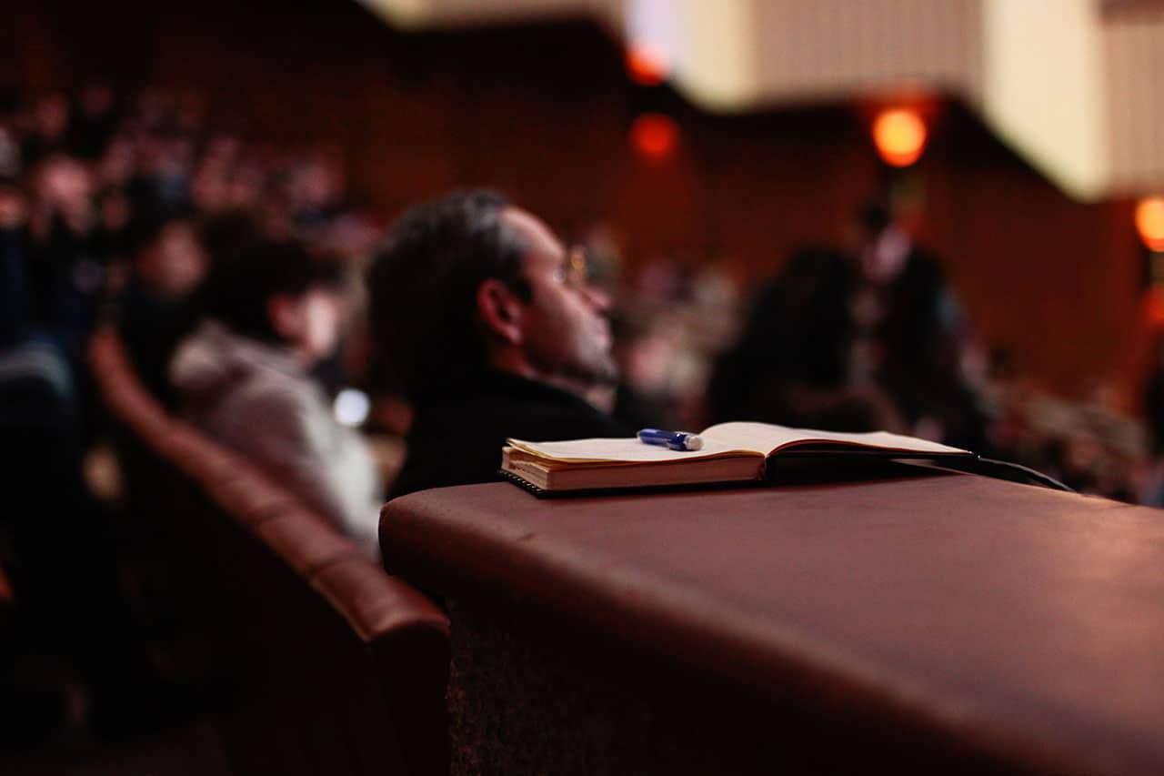 pengalaman-pertama-menjadi-pembicara-seminar